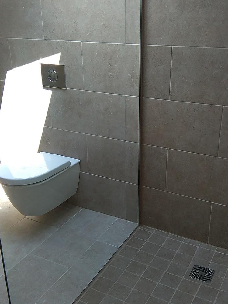 Clark Malone toilet