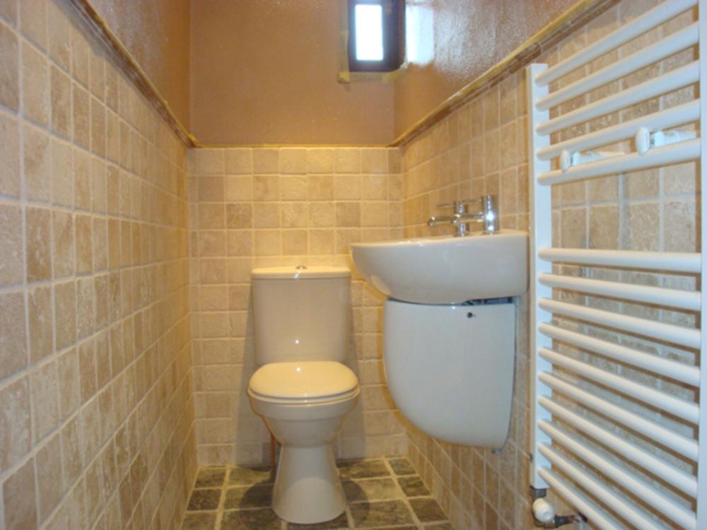clarkmalone-toilet-1000